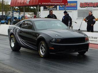 Ford усовершенствовал Mustang для дрэг-рейсинга