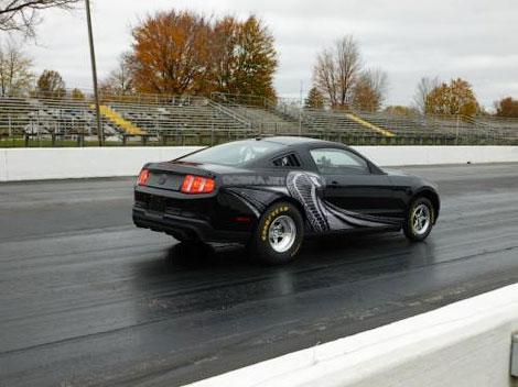 Купе для гонок по прямой получил более легкий кузов и модернизированную техническую начинку. Фото 1