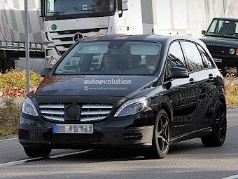 Фотошпионы засняли AMG-версию Mercedes-Benz B-Class