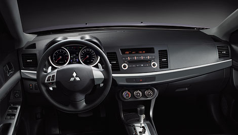 У автомобиля изменился дизайн переднего бампера, улучшилась шумоизоляция и появился 117-сильный мотор