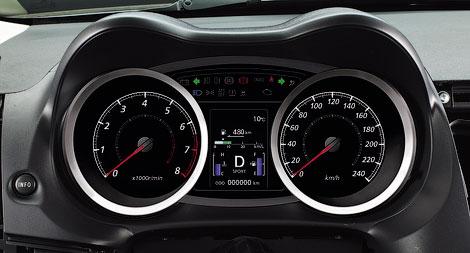 У автомобиля изменился дизайн переднего бампера, улучшилась шумоизоляция и появился 117-сильный мотор. Фото 1