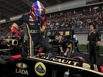 Руководитель Lotus пообещал больше не нанимать платных гонщиков
