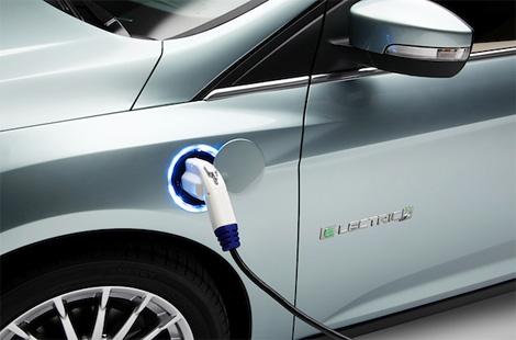 Расходы на поездку в электромобиле Ford Focus сравнимы с эксплуатацией машины с расходом топлива 2,3 литра на сто километров