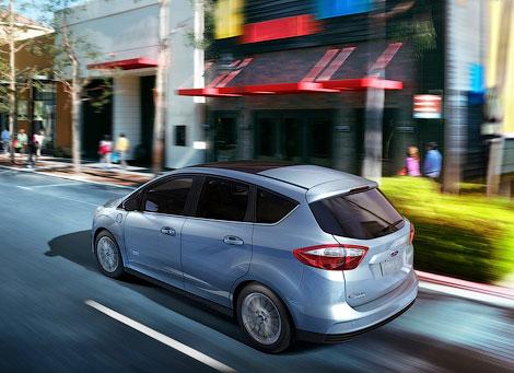 Гибридный Ford C-Max появится в США во второй половине 2012 года