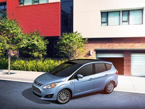 Гибридный Ford C-Max появится в США во второй половине 2012 года. Фото 1