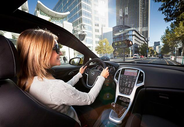 """Выясняем, чем """"трехдверка"""" Opel Astra отличается от """"пятидверки"""". Фото 3"""