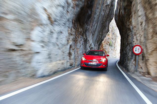 """Выясняем, чем """"трехдверка"""" Opel Astra отличается от """"пятидверки"""". Фото 8"""