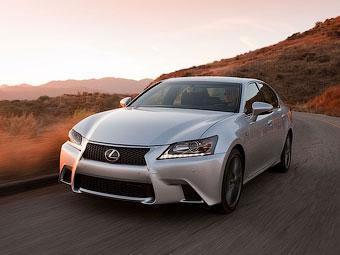 Lexus рассказал подробности о новом GS для России