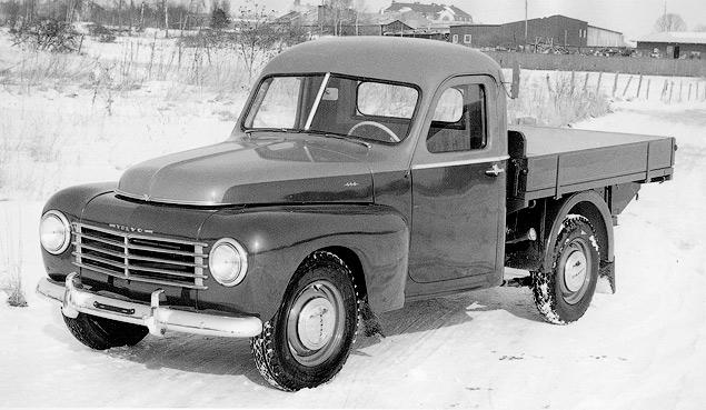 Volvo проектирует спортивный автомобиль и выпускает первые универсалы. Фото 1