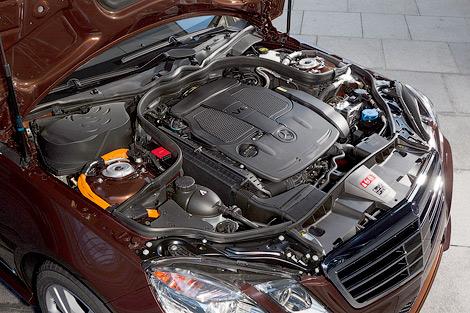 В январе дебютирует бензин-электрический гибрид Mercedes-Benz E400 и дизель-электрический E300 Bluetec