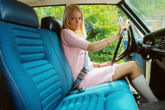 Volvo оборудует машины ремнями безопасности и испытывает первые детские кресла. Фото 1