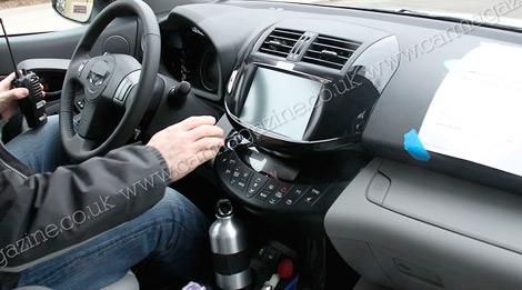 В 2012 году на рынке появится Toyota RAV4 с электромотором