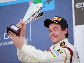 Подиум в Абу-Даби помог вице-чемпиону Формулы-2 сменить команду