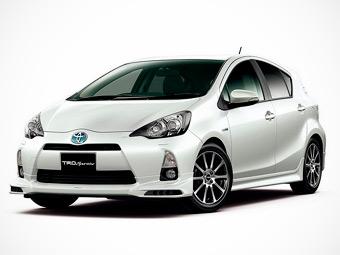 """Toyota сделала самый маленький """"Приус"""" чуть спортивнее"""