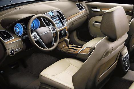Американский производитель представил топовую модификацию седана 300. Фото 1