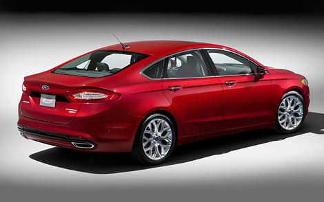 Автомобиль нового поколения будет выпускаться в бензиновой и двух гибридных версиях