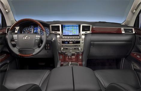 В Детройте дебютировал рестайлинговый внедорожник Lexus LX. Фото 2