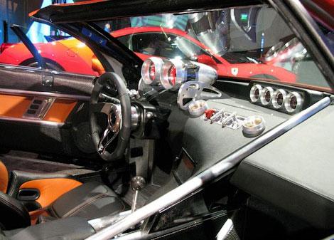 В Детройте показали суперкар Falcon F7, который выпустят тиражом в 10 штук. Фото 3