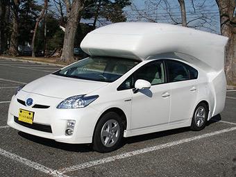 Toyota Prius превратили в двухэтажный фургон для кемпинга