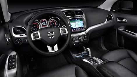 Стоимость автомобиля с 283-сильным V6 составит 1 699 500 рублей. Фото 1