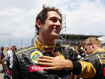 Операционный директор команды Renault сравнил скорость Сенны и Петрова
