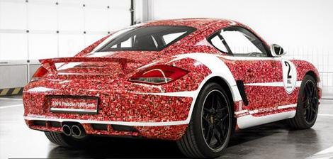 """В музее Porsche в Штутгарте представят спорткар, посвященный пользователям """"Фейсбука"""". Фото 1"""
