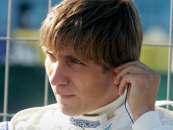 Pirelli назвала Виталия Петрова своим тест-пилотом
