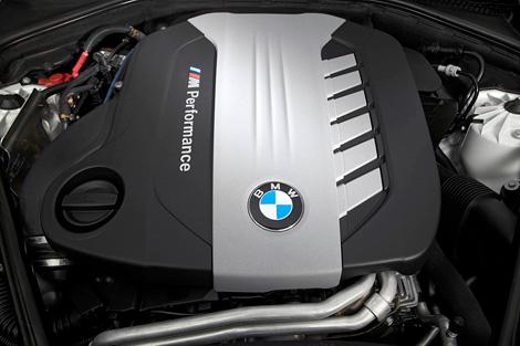 """Новый 381-сильный дизель появится на """"пятерке"""" BMW и кроссоверах X5 и X6"""