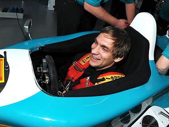 Берни Экклстоун лично поможет Петрову остаться в Формуле-1