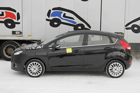 Появились шпионские фотографии обновленного хэтчбека Ford Fiesta. Фото 2
