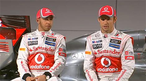 Британский гоночный коллектив представил автомобиль для сезона 2012 года. Фото 1