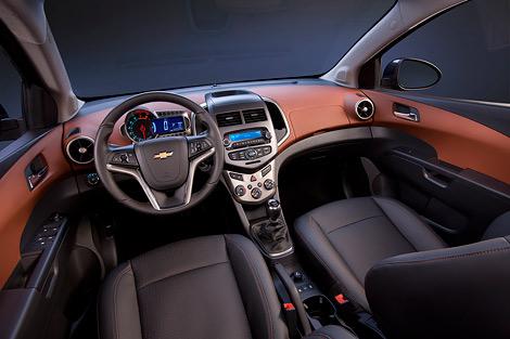 Цены на автомобиль начинаются от 444 тысяч рублей. Фото 1