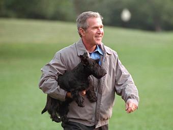 Буш оправдался за предоставленные автоконцернам кредиты