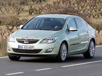Новый седан Opel Astra готовят к дебюту