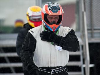 Судебные приставы взыщут с российского гонщика 16 миллионов рублей