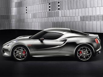 В Alfa Romeo решили подождать с запуском в серию купе 4C