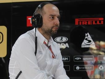 Владелец команды Lotus объяснил причины увольнения Петрова и Сенны