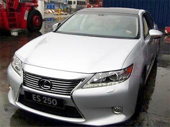 Китайские фотошпионы рассекретили новый Lexus ES раньше срока