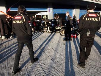 Команда Lotus досрочно покинула вторую тестовую сессию