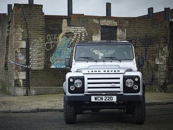 Land Rover Defender снимется в фильме о Джеймсе Бонде