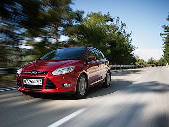Половина проданных в России автомобилей – гольф-класса