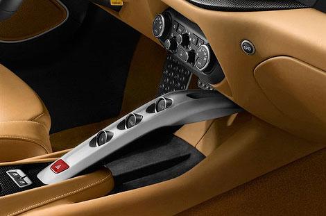Новый флагман Ferrari получил 730-сильный 6,3-литровый мотор V12. Фото 5
