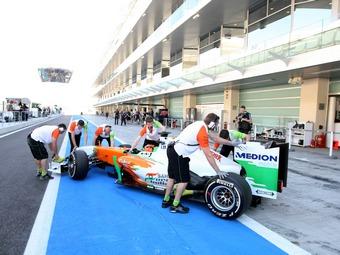 FIA не будет снижать скорость болидов Формулы-1 на пит-лейне