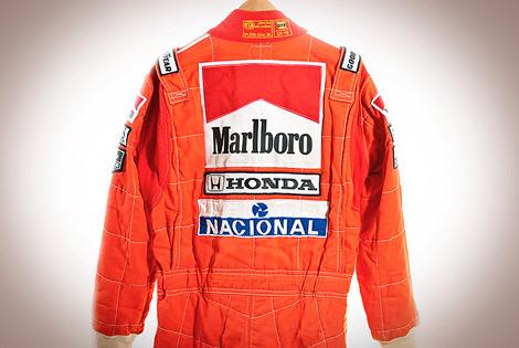 Итоговые цены на личные вещи трехкратного чемпиона мира Формулы-1 почти в два раза перекрыли стартовую стоимость. Фото 1