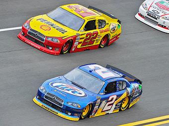 """Единственный клиент Dodge в серии NASCAR ушел к """"Форду"""""""