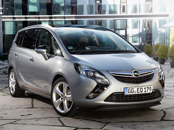 """Российский офис Opel назвал цены на новую """"Зафиру"""""""
