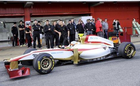 В первый раз за трехлетнюю историю испанского гоночного коллектива автомобиль дебютировал до старта чемпионата мира