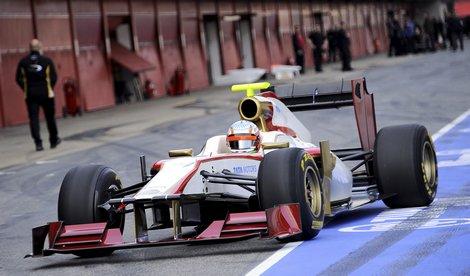 В первый раз за трехлетнюю историю испанского гоночного коллектива автомобиль дебютировал до старта чемпионата мира. Фото 1