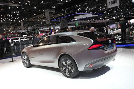Дизайн новых Hyundai продемонстрировали на гибридном концепте i-oniq. Фото 1