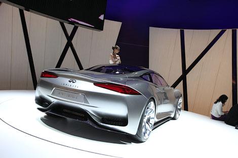 """В Женеве показали 402-сильное среднемоторное купе, разгоняющееся до """"сотни"""" за 4 секунды"""